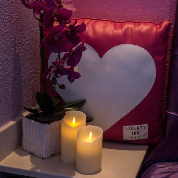Romantic Decor and Accents